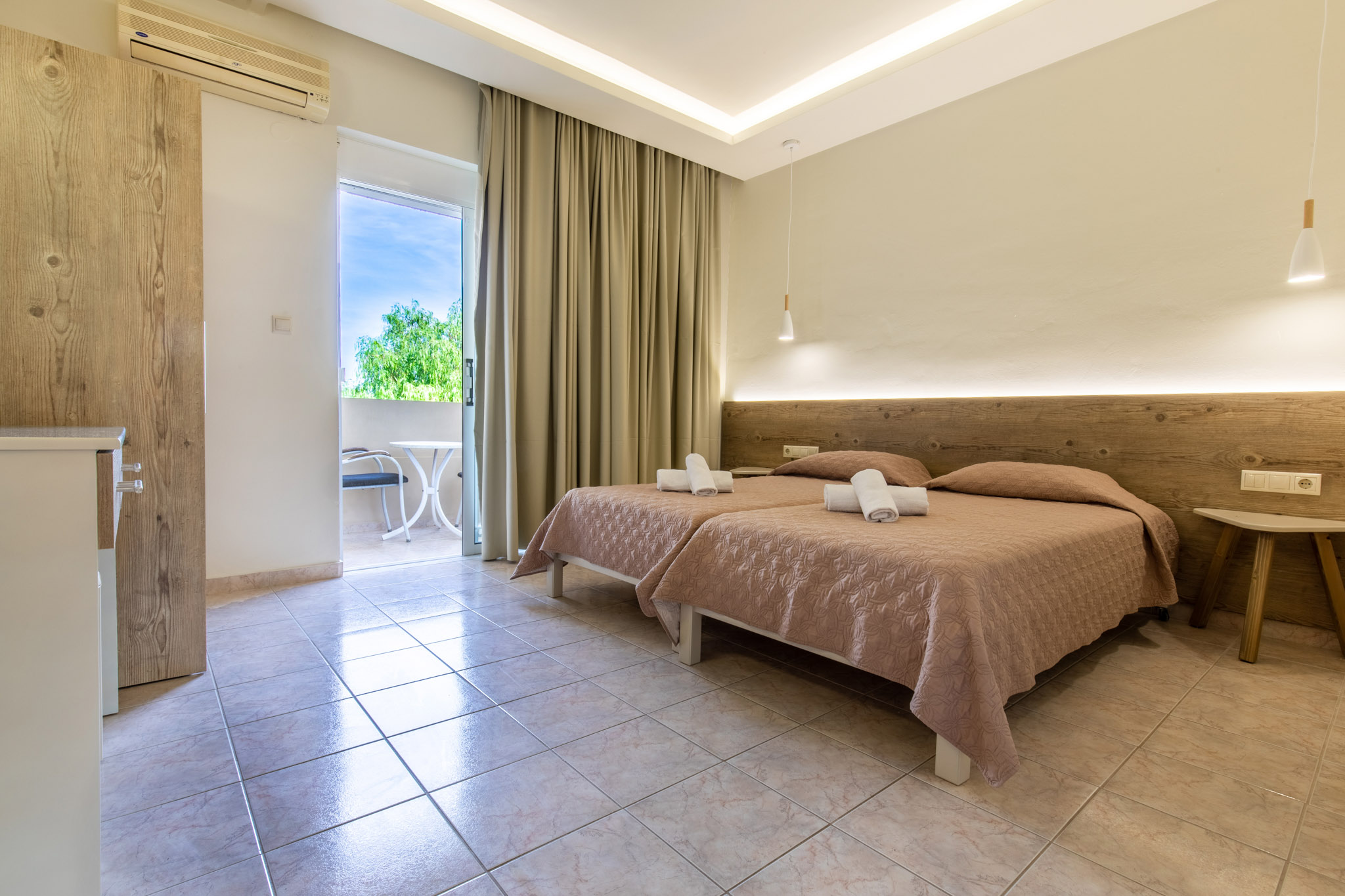Family-Room-2-bedrooms-2