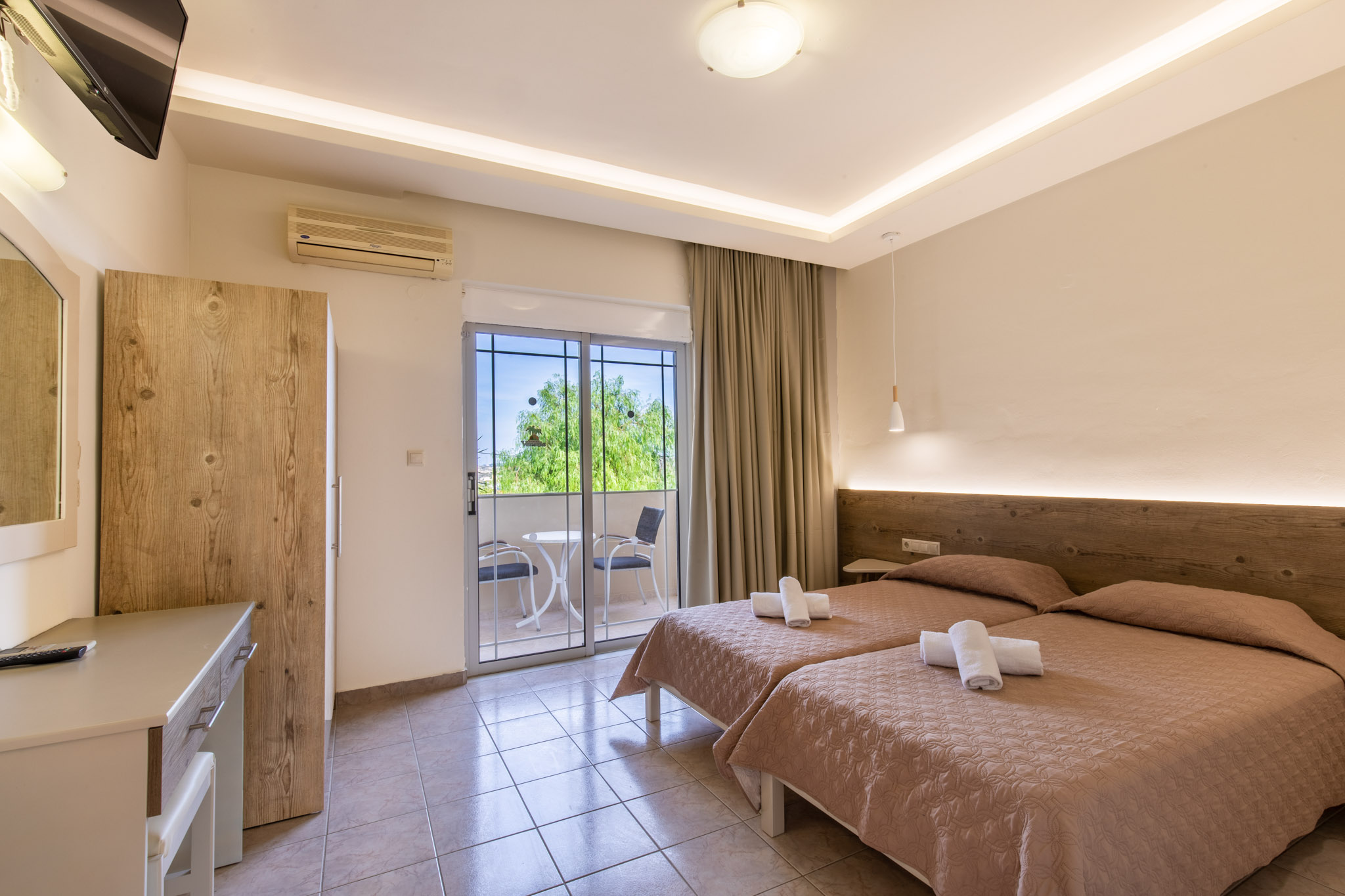 Family-Room-2-bedrooms-3