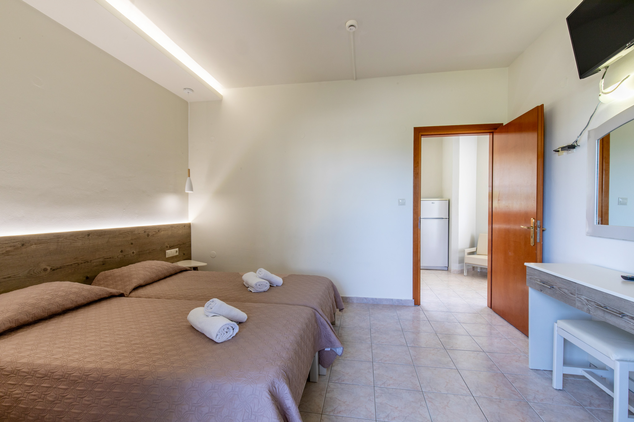 Family-Room-2-bedrooms-4
